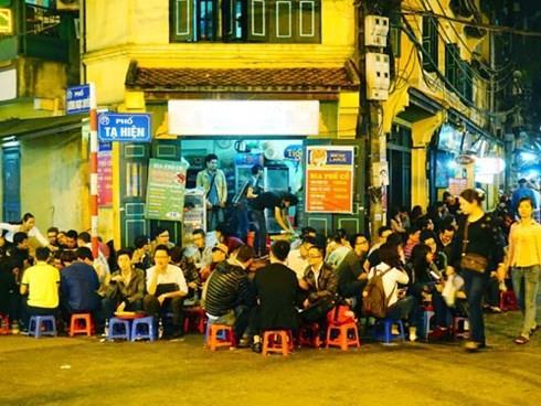 Có cần lát đá nhiều tuyến phố cũ của Hà Nội?