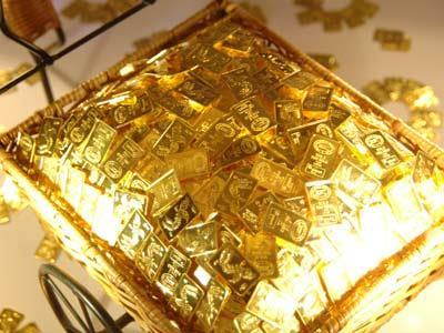 Đầu tuần, vàng giảm giá