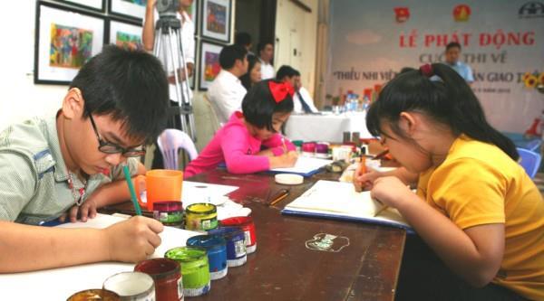 """Phát động Cuộc thi vẽ tranh """"Thiếu nhi Việt Nam với an toàn giao thông"""""""