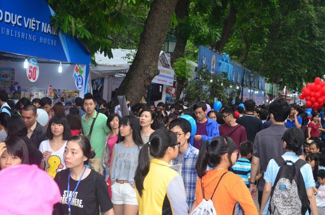 Hội chợ sách Quốc tế - Việt Nam thu 15 tỉ