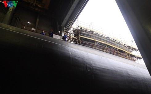 Nga hạ thủy tàu ngầm Kilo cuối cùng đóng cho Việt Nam