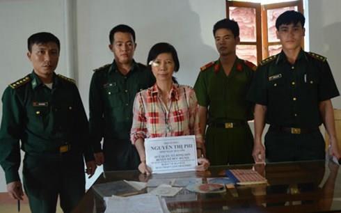 Bắt giữ đối tượng mang tài liệu phản động về Việt Nam
