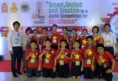 12 học sinh Việt Nam đoạt huy chương IMSO
