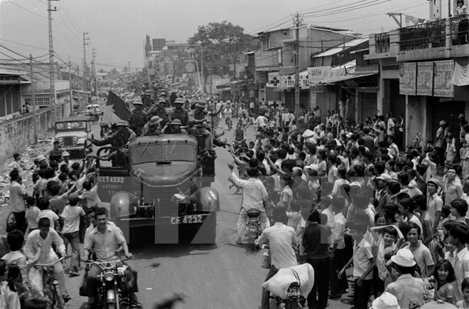 Tiếp nhận hơn 200 cuốn phim quý về Việt Nam từ bạn bè quốc tế
