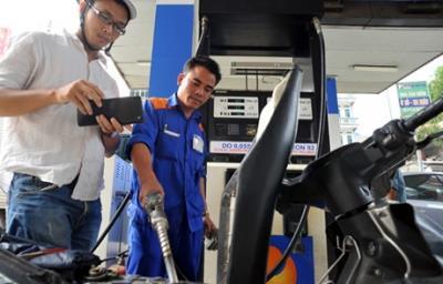 Từ 15 giờ, xăng dầu đồng loạt giảm giá