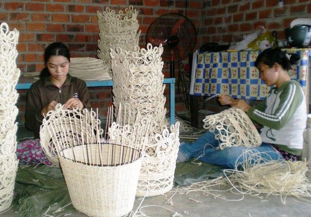 Phát triển làng nghề gắn với xây dựng nông thôn mới
