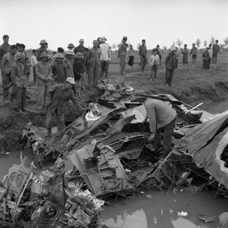 """43 năm trước pháo đài bay B52 """"suýt bị diệt chủng""""?"""
