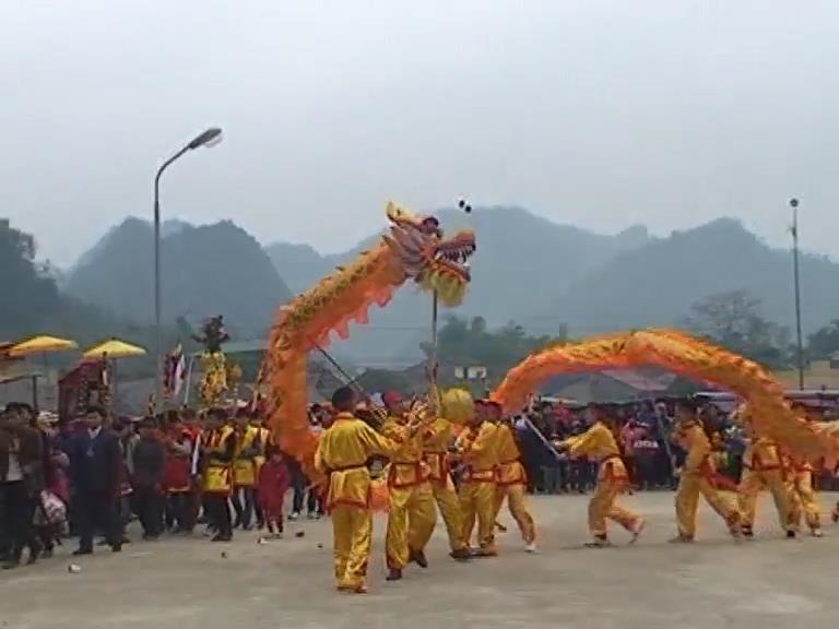 Mùa xuân trẩy hội chùa Sùng Phúc