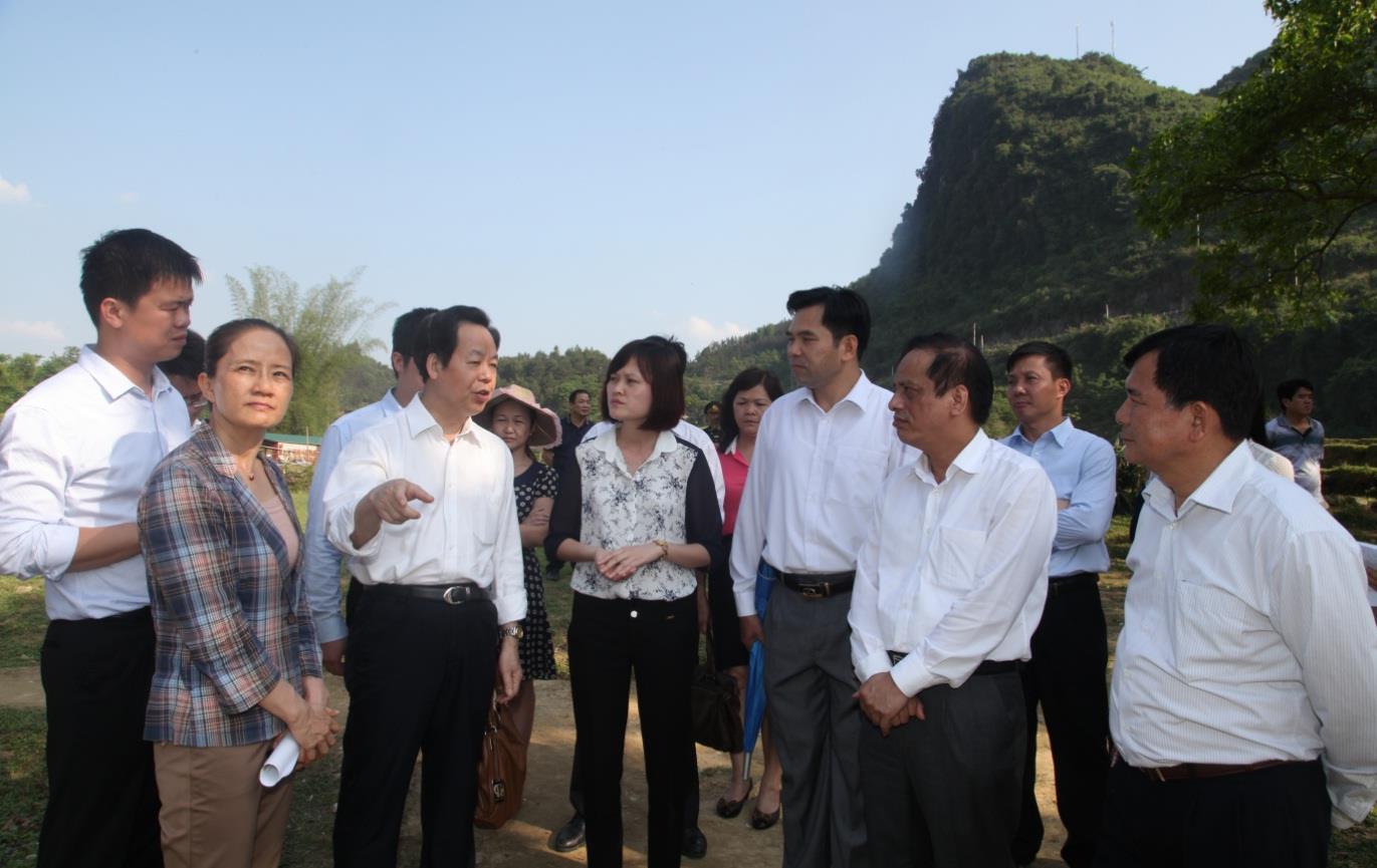 Đoàn đại biểu Thành ủy thành phố Sùng Tả (Trung Quốc) khảo sát Khu du lịch thác Bản Giốc, Khu KTCK Tà Lùng