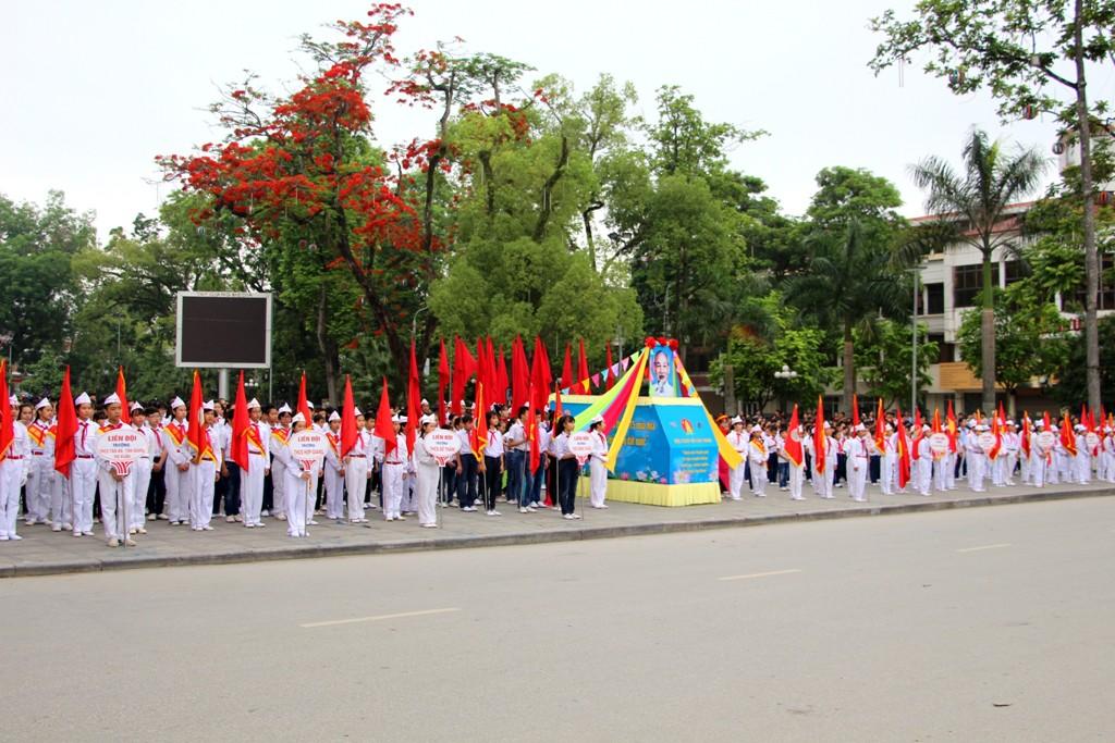 Thành phố, Hạ Lang: Kỷ niệm 75 năm Ngày thành lập Đội TNTP Hồ Chí Minh