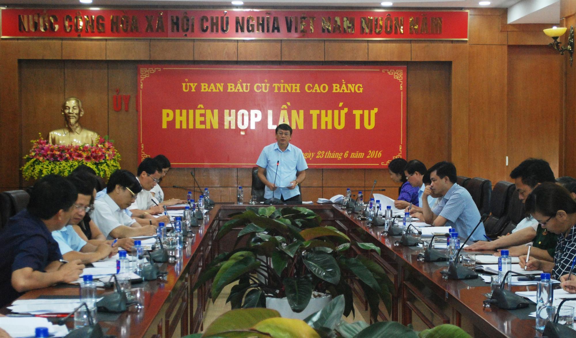 Ủy ban bầu cử đại biểu Quốc hội khóa XIV và đại biểu HĐND tỉnh họp phiên thứ 4