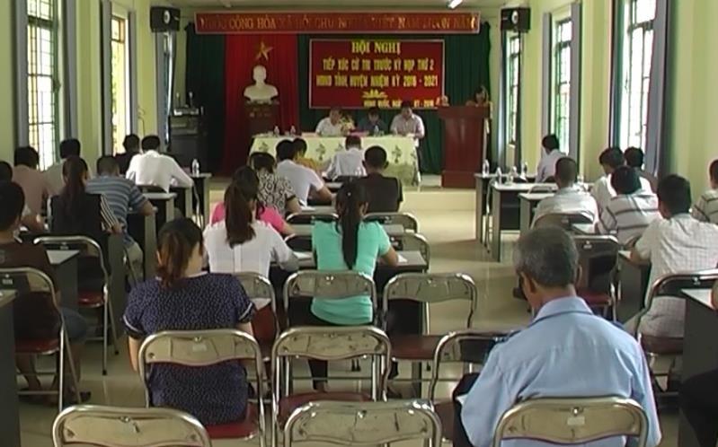 Đại biểu HĐND tỉnh, HĐND huyện Trà Lĩnh tiếp xúc cử tri