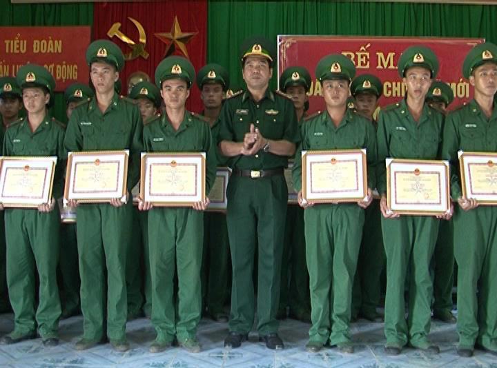 Bộ đội Biên phòng: Bế mạc khóa huấn luyện và biên chế chiến sĩ mới về đơn vị cơ sở