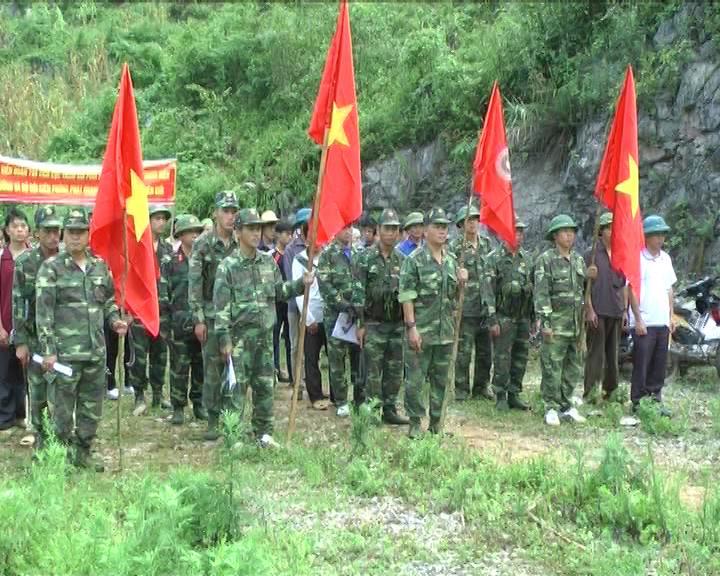 Bảo Lạc: Ra quân tình nguyện phát quang, tu sửa đường tuần tra.