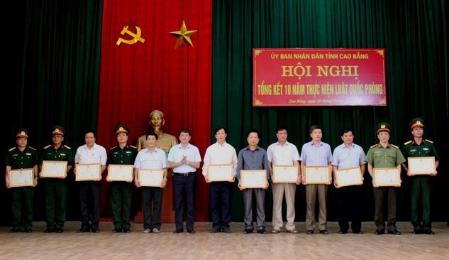 UBND tỉnh: Tổng kết 10 năm thực hiện Luật Quốc phòng