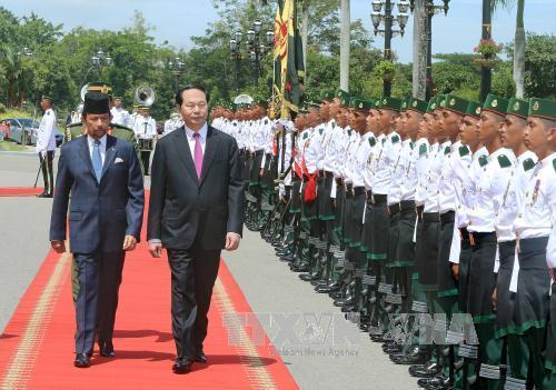 Lễ đón chính thức Chủ tịch nước Trần Đại Quang thăm cấp Nhà nước tới Brunei Darussalam