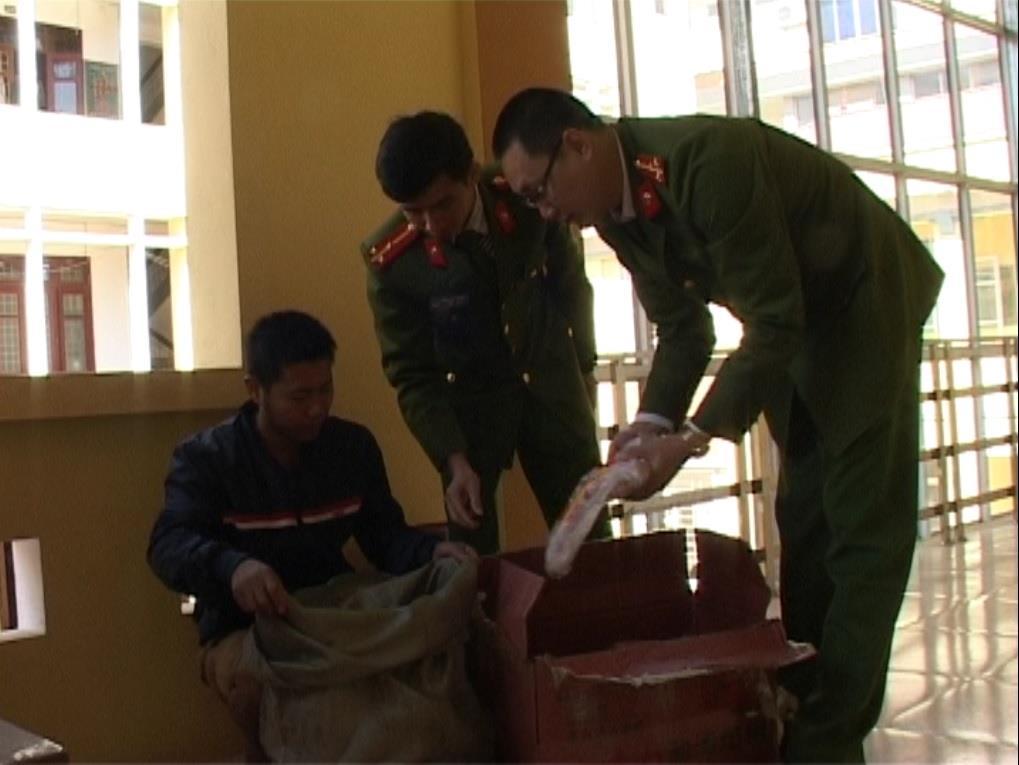 Công an tỉnh: Phát hiện, bắt giữ 38 kg xúc xích Trung Quốc