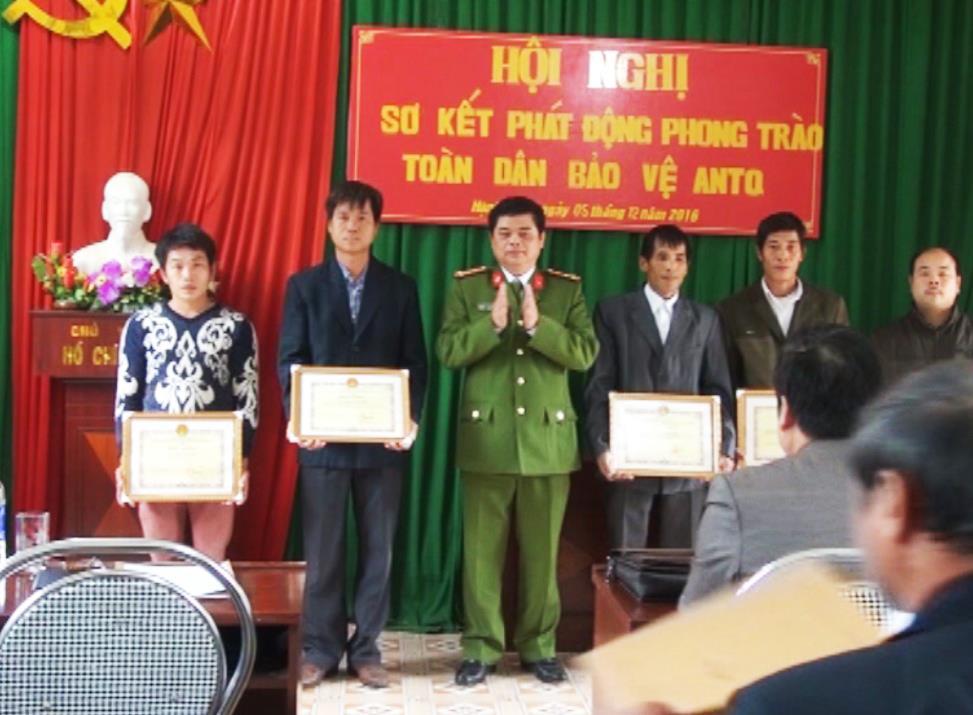  Quảng Uyên: Sơ kết đợt phát động phong trào TDBVANTQ tại xã Hạnh Phúc.