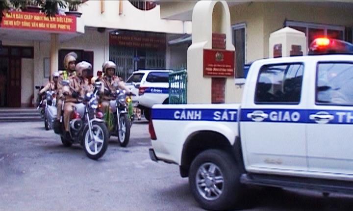 Lễ ra quân cao điểm đảm bảo trật tự an toàn giao thông dịp cuối năm