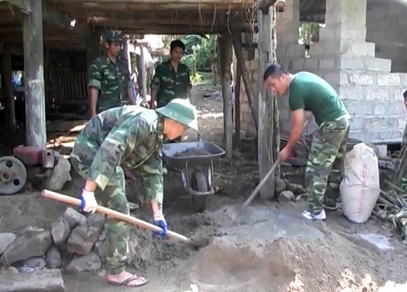 Bộ đội Biên phòng Đức Long tham gia xây dựng nông thôn mới