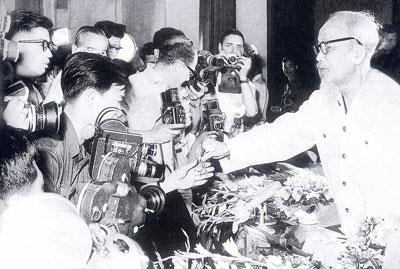 Báo chí cách mạng Việt Nam - Cội nguồn, đặc trưng, trọng trách