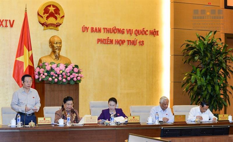 Ủy ban Thường vụ Quốc hội cho ý kiến về 2 dự án Luật