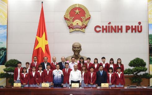 Thủ tướng gặp mặt Đoàn Thể thao Việt Nam tham dự SEA Games 29