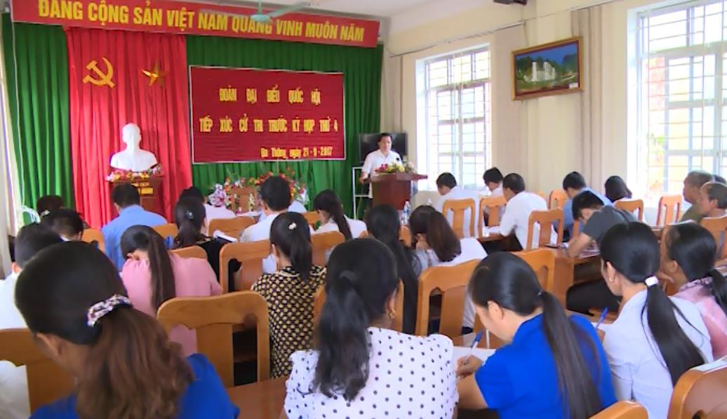 Đại biểu Quốc hội tiếp xúc cử tri xã Đa Thông (Thông Nông)