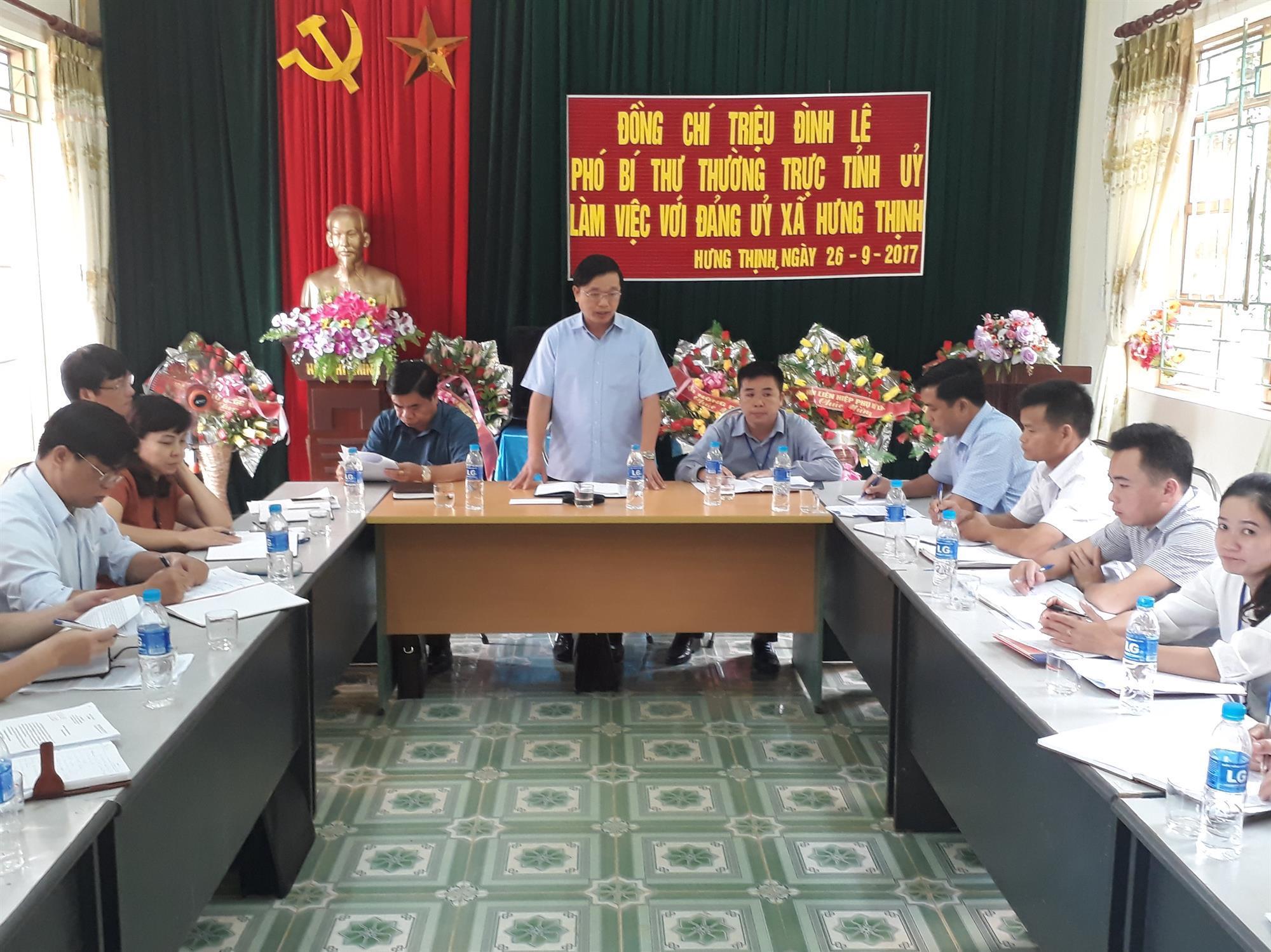 Phó Bí thư Thường trực Tỉnh ủy Triệu Đình Lê làm việc tại xã Hưng Thịnh (Bảo Lạc)