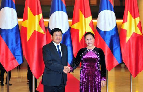 Thủ tướng CHDCND Lào hội kiến Chủ tịch nước và Chủ tịch Quốc hội