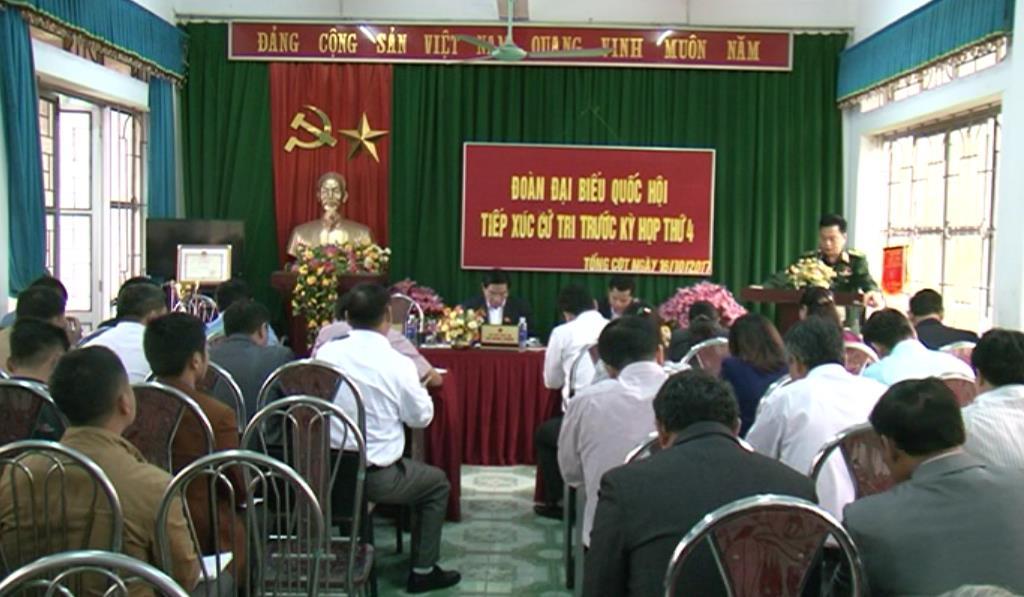 Đại biểu Quốc hội tỉnh Cao Bằng tiếp xúc cử tri huyện Hà Quảng trước Kỳ họp thứ tư Quốc hội khóa XIV