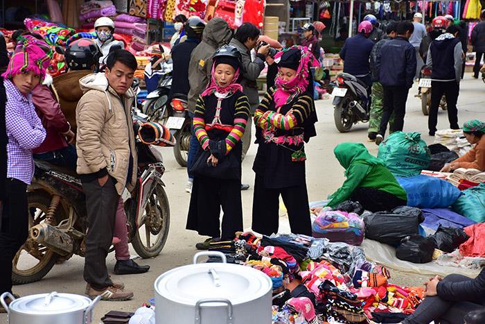 Hấp dẫn phiên chợ Bảo Lạc