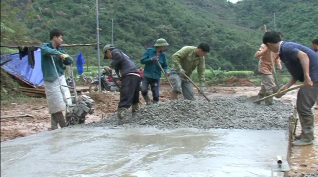 Nguyên Bình: Xã Thể Dục huy động sức dân làm đường nông thôn