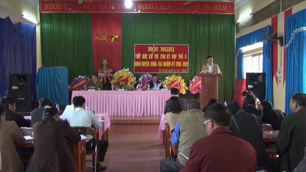 Đại  biểu HĐND huyện Bảo Lạc tiếp xúc cử tri thị trấn