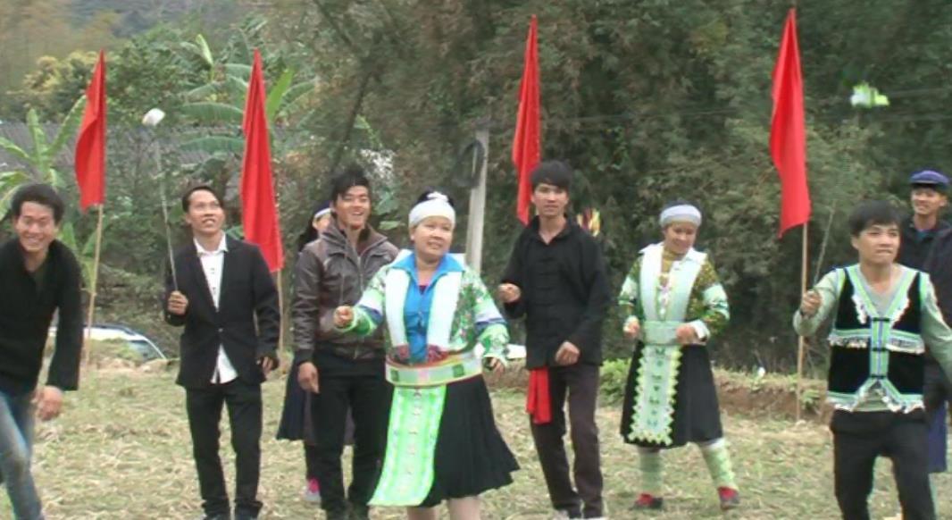 Phó Bí thư Thường trực Tỉnh ủy Triệu Đình Lê dự Ngày hội Văn hóa dân tộc Mông lần thứ nhất, năm 2018 tại xã Lý Bôn (Bảo Lâm)