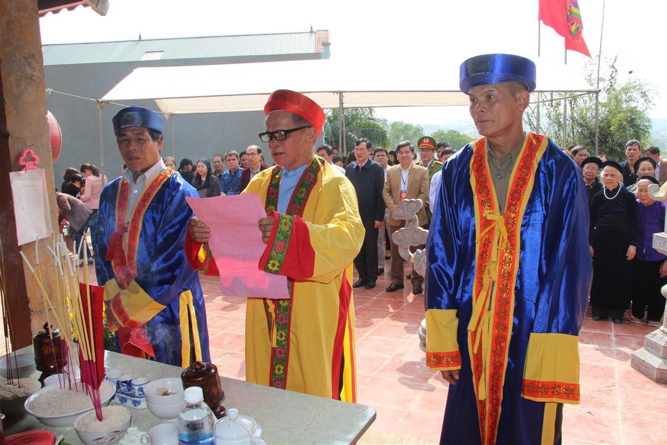 Lễ hội đền Bà Hoàng
