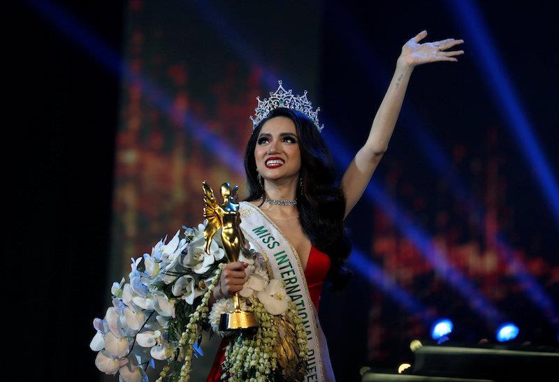 Đại diện Việt Nam giành vương miện cuộc thi Hoa hậu Chuyển giới Quốc tế 2018