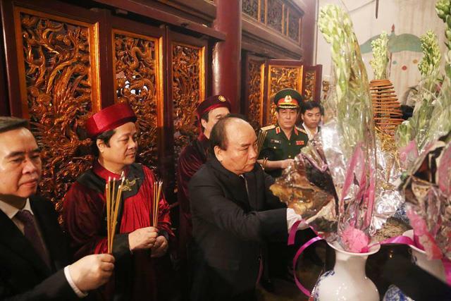 Tổ chức trọng thể lễ dâng hương tưởng niệm các Vua Hùng