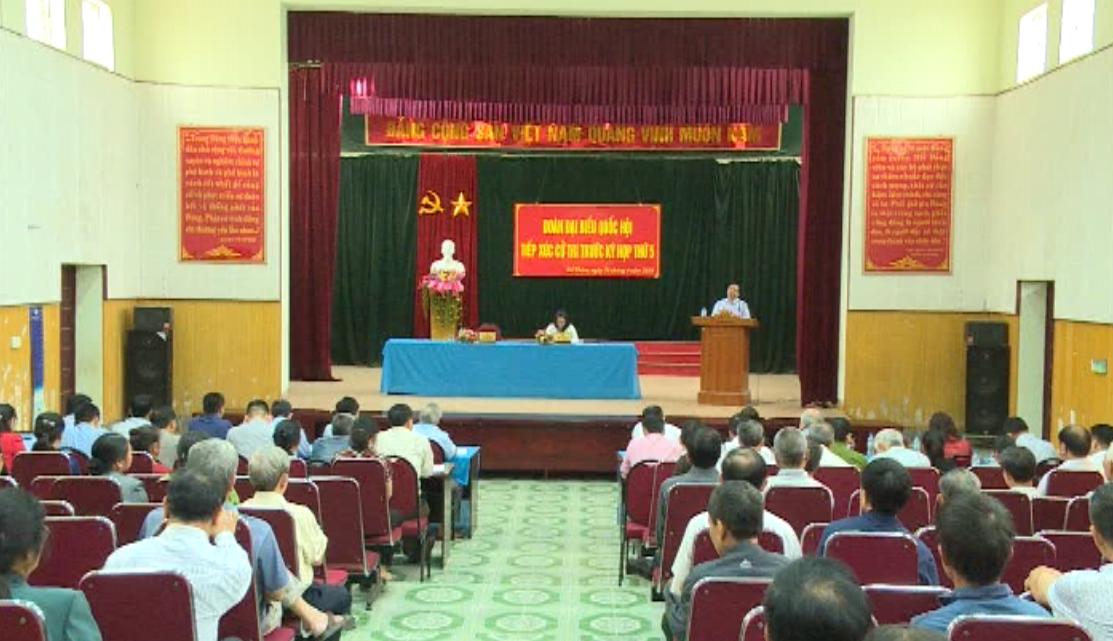 Đoàn Đại biểu Quốc hội tỉnh: Tiếp xúc cử tri trước Kỳ họp thứ 5 Quốc hội khóa XIV tại phường Đề Thám, Thành phố