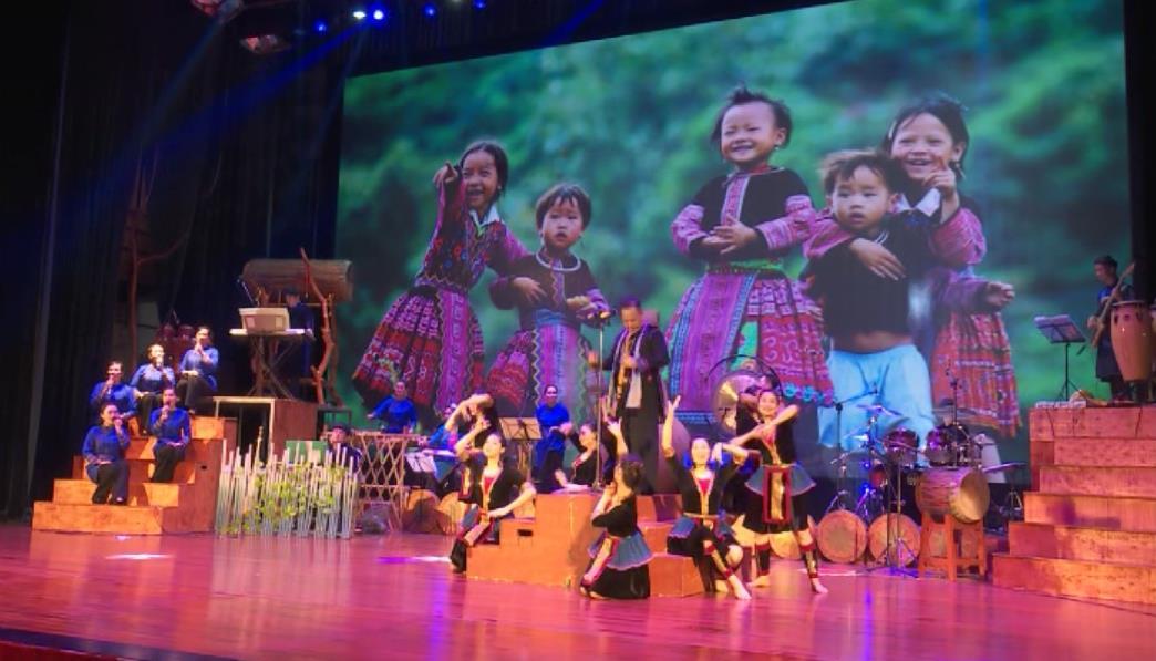 Đoàn Nghệ thuật Cao Bằng: Tổng duyệt chương trình diễn thi Liên hoan Ca múa nhạc toàn quốc đợt I, năm 2018