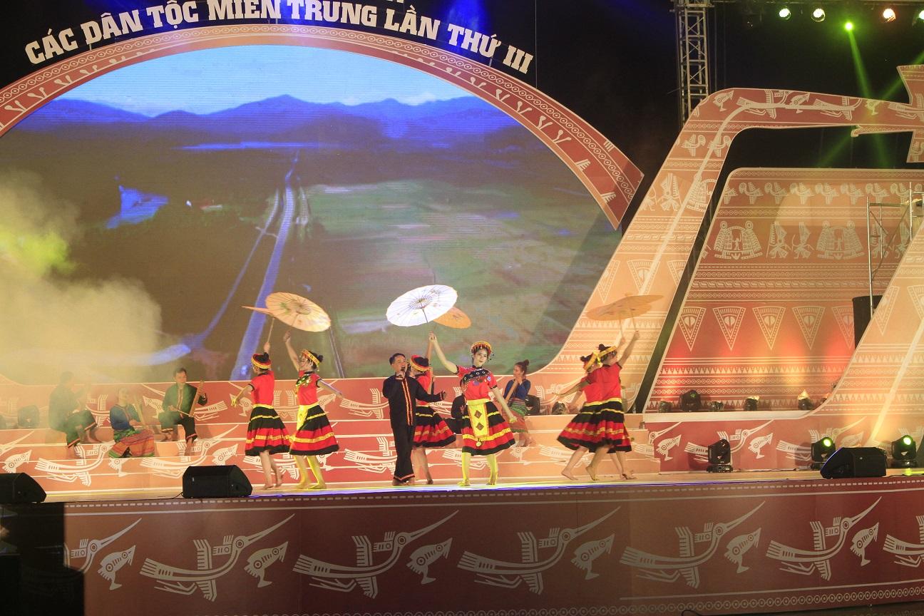 Ngày hội văn hoá các dân tộc miền Trung quy tụ 2.000 nghệ sĩ