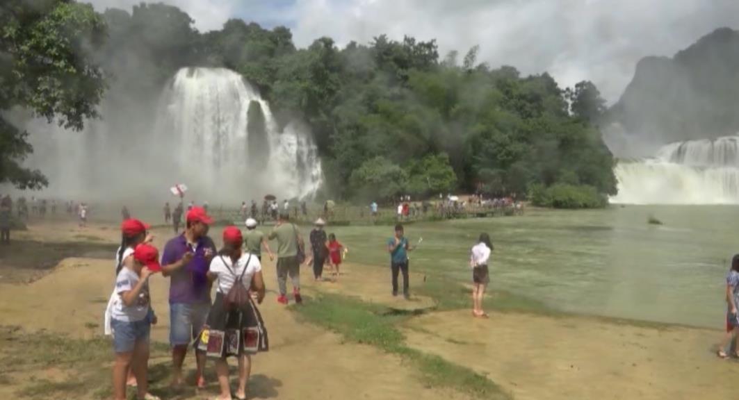 Khu du lịch thác Bản Giốc - động Ngườm Ngao đón hơn 6.000 khách du lịch trong kỳ nghỉ Lễ Quốc khánh 2/9