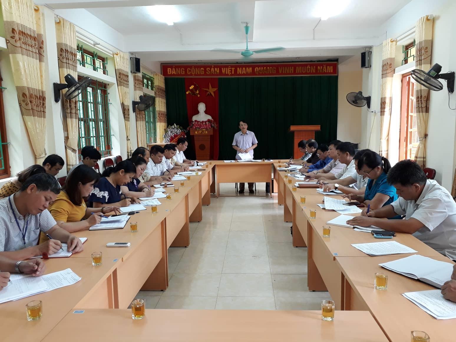 Phó Chủ tịch UBND tỉnh Nguyễn Trung Thảo kiểm tra thực hiện Chương trình MTQG xây dựng nông thôn mới tại xã Đại Sơn (Phục Hòa)