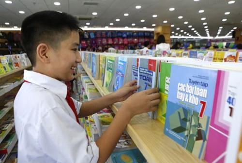 Bộ trưởng Bộ Giáo dục và Đào tạo ra chỉ thị về sử dụng sách giáo khoa