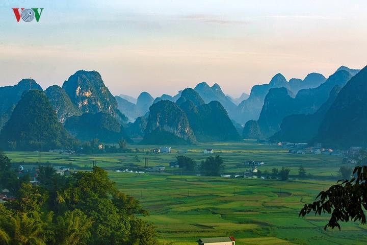Đến Cao Bằng ngắm vẻ đẹp hùng vĩ, nên thơ của thung lũng Ngọc Côn, Phong Nậm