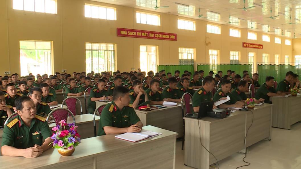 """Trung đoàn 852: Sơ kết 5 năm """"Hưởng ứng Ngày Pháp luật nước CHXHCN Việt Nam"""""""