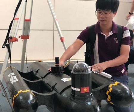 Tàu khảo sát biển không người lái do người Việt chế tạo