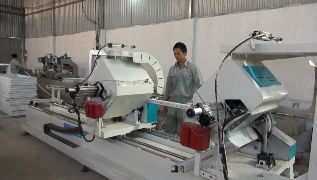 Tổng kết Đề án hỗ trợ ứng dụng máy móc thiết bị sản xuất cửa nhôm, cửa nhựa cao cấp tại HTX Phú Thịnh