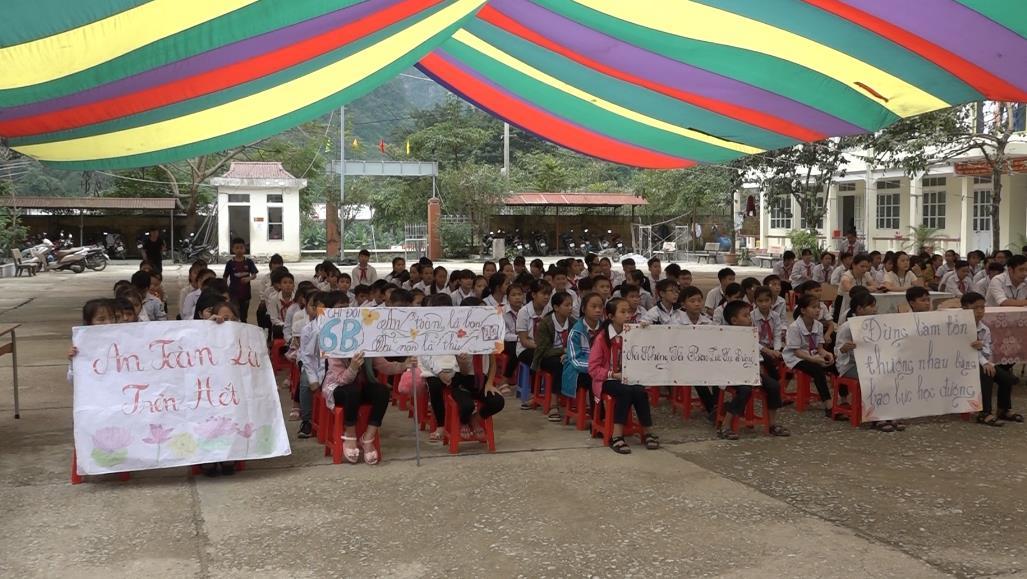 Bảo Lâm: Tuyên truyền an toàn giao thông, phòng chống bạo lực trong học đường
