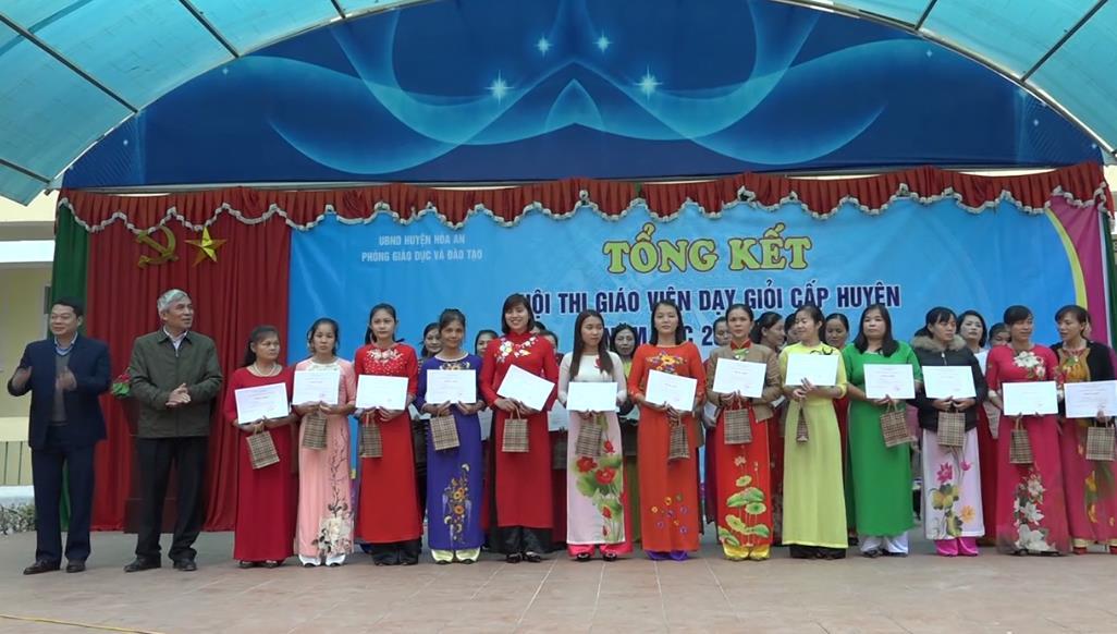 Hòa An: 346 giáo viên đạt danh hiệu Giáo viên dạy giỏi cấp huyện năm học 2018 - 2019